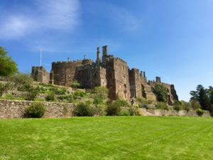 Review Berkeley Castle Gloucestershire