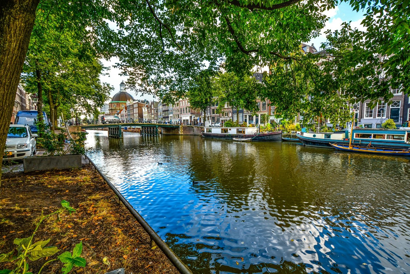 Amsterdam Travelling Guide