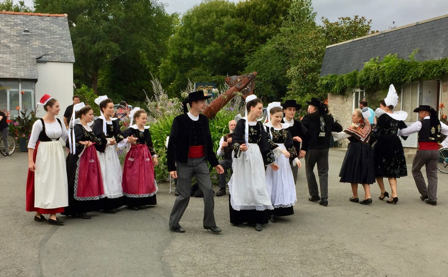 Dancers - Review Camping Du Letty,Brittany