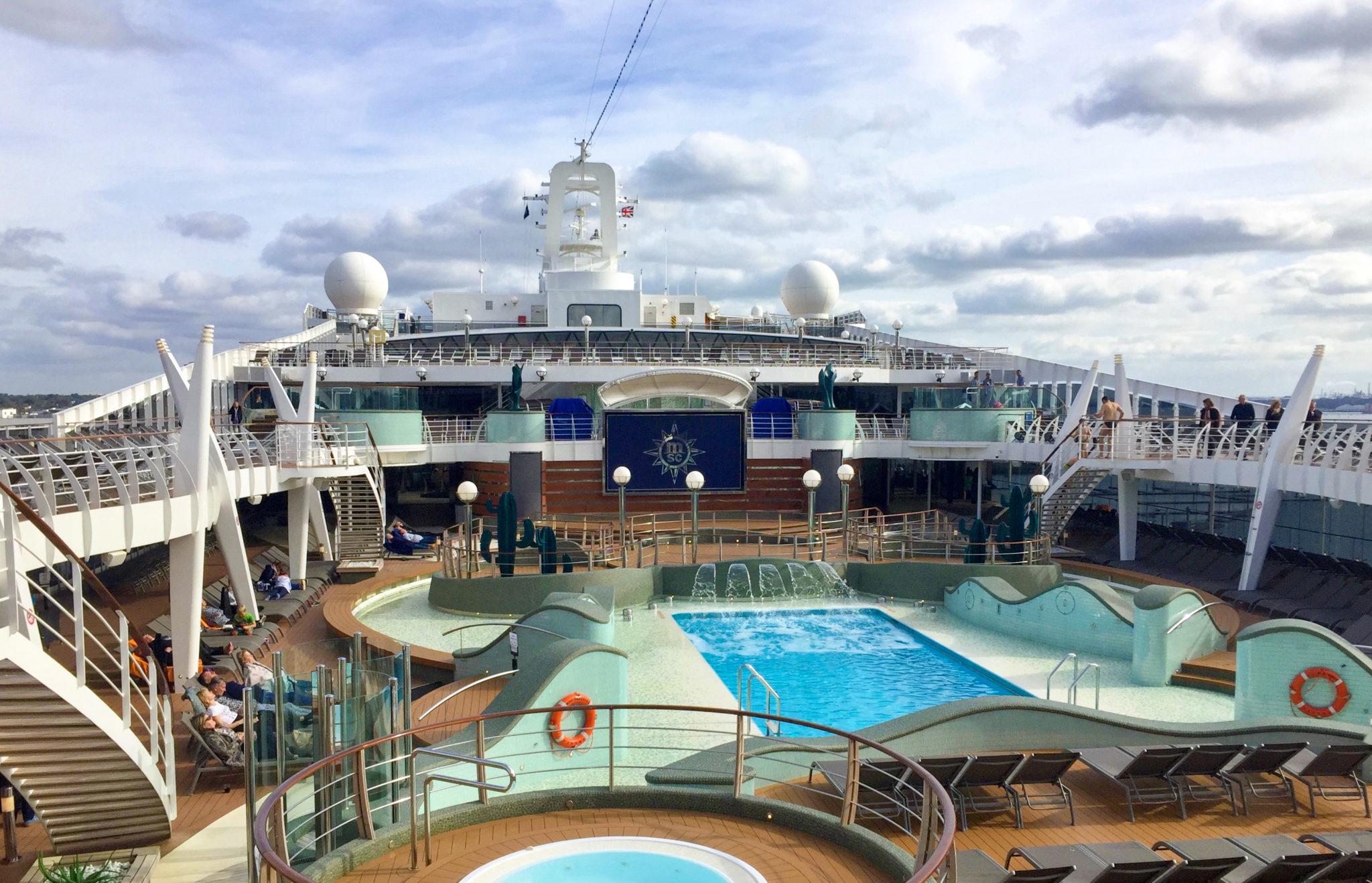 Pool deck MSC Preziosa