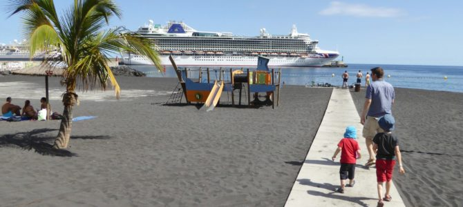 Essential packing list for cruising with kids