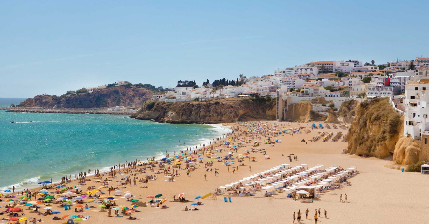 Family travel guide Algarve - Albufeira beach